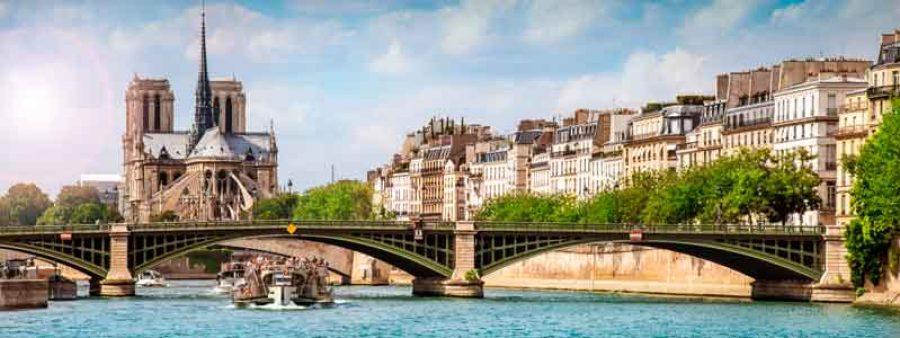 La città di Parigi dalla Senna